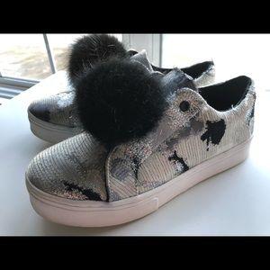 Kaari Blue Grey Sneakers with Fuzzy Ball, Womens 7